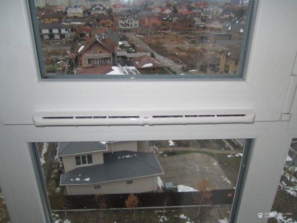 Монтаж приточных клапанов (оконного проветривателя) в ЖК «Львовский»